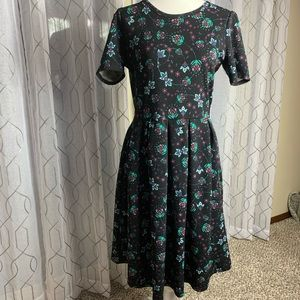 LuLaRoe Amelia Dress Size Large Has Pockets